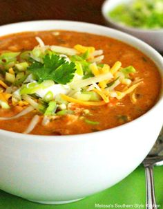 Tex Mex Chicken Taco Soup Chicken Carcass Soup, Chicken Enchilada Soup, Tex Mex Chicken, Chicken Tacos, Easy Chicken Recipes, Soup Recipes, Spanish Chicken, Crock Pot Soup, Southern Recipes