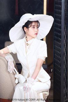 Kpop Fashion Outfits, Korean Outfits, Iu Hair, Luna Fashion, Mode Kawaii, Korean Celebrities, Kpop Girls, Korean Girl, My Idol