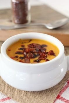 Sweet Potato & Bacon Soup Amazing and flavor-filled Smoky Sweet Potato & Bacon Soup from Michelle at -click through to get recipe!Amazing and flavor-filled Smoky Sweet Potato & Bacon Soup from Michelle at -click through to get recipe! Blender Soup, Blender Recipes, Chef Recipes, Cooking Recipes, Healthy Recipes, Vitamix Recipes, Hand Blender, Jelly Recipes, Milk Recipes