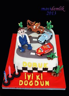 mavi demlik mutfağı- izmir butik pasta kurabiye cupcake tasarım- şeker hamurlu-kur: doruk'un şimşek mcqueen ve arkadaşları pastası