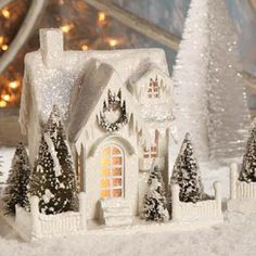 Bethany Lowe Christmas Village Large White Ivory House Cottage Single Roof for sale online Christmas Village Houses, Cottage Christmas, Putz Houses, Christmas Villages, Christmas Home, Christmas Holidays, Christmas Crafts, Christmas Decorations, Holiday Decor