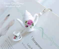 With Love for Books: Teapot & Teacup Bookmark & Book of Choice Giveaway...