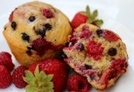 Pancake Berry Muffins - Instead of flipping flapjacks on the stove, bake pancakes in a muffin tin.  Theyre healthier than muffins and easier than pancakes, and you can even make them with syrup inside.  Plus 14 more healthy, quick breakfast recipes for mornings on the go.