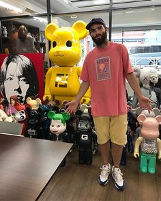 WEBSTA @ sean_wotherspoon - Successful meeting with @medicom_toy today! @guess @nicolaimarciano @drxromanelli @roundtwohollywood