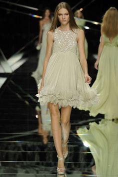 Elie Saab Spring 2009 Ready-to-Wear Fashion Show - Irina Kulikova