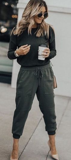 #fall #outfits women's gray sweater and jogger pants