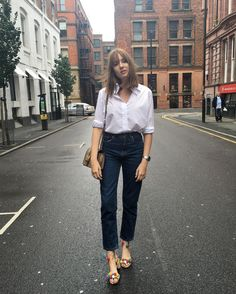 """4,869 Likes, 40 Comments - Lizzy Hadfield (@shotfromthestreet) on Instagram: """"Running errands today before going away on Monday! Also wearing some new incredible jeans from &…"""""""