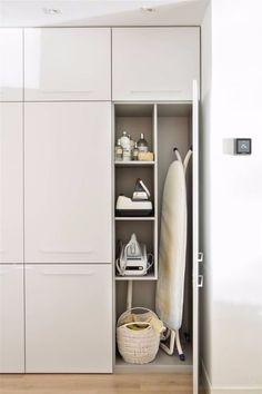 make better everyday tasks simple with these utility room storage ideas 19 Lounge Design, Design Room, Küchen Design, Home Design, Home Interior Design, Flat Design, Modern Laundry Rooms, Laundry Room Layouts, Laundry Room Remodel