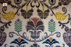 Sardegna DigitalLibrary - Immagini - L'arte del ricamo e della tessitura