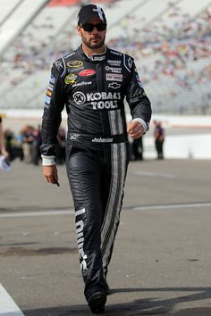 Jimmie Johnson, Kansas, started: 21st finished: 3rd. Stayed in the points led by +37 over Kasey Kahne.