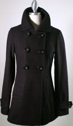 oh my coat like this is missing a button, this is perfect