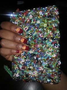 I dont no which one is pretty my nail or the purse ....don't answer!