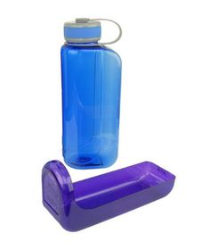 OllyBottle—It includes a removable tray that can be used as a water dish for your dog! @Betsy Abente