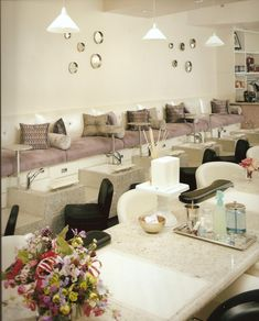 Nail Salon - Pedicure Lounge - Interior Design Idea in Scottsdale AZ