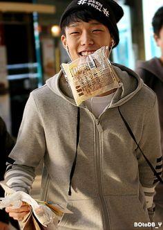 crescent moon smile - my kind of thing Chanwoo Ikon, Kim Hanbin, Bobby, Lee Hi, Ikon Member, Ikon Debut, Kim Ji Won, Make Smile