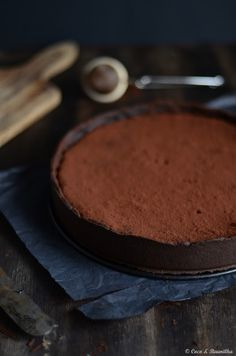Tarte de alfarroba (do Algarve). ✻ Carob tart (from Algarve).