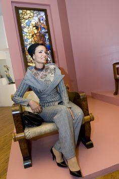 Fabulous Sheikha Mozah in Jean Paul Gaultier couture. Slaying