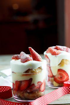 Strawberry & Cream Trifle. #Recipe #Dessert #Christmas