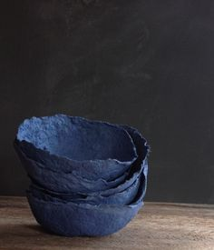 Papier Mache Bowls These papier mache bowls were made today using a lovely moody blue egg carton. Just one egg carton, mind you, res. Paper Mache Bowls, Paper Bowls, Fabric Bowls, Diy Paper, Paper Art, Paper Crafts, Pulp Paper, Diy Recycling, Behind Blue Eyes