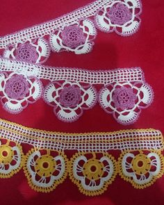 This post was discovered by Mü Crochet Boarders, Crochet Patterns, Recycled Cds, Romanian Lace, Crochet Curtains, Crochet For Kids, Crochet Lace, Models, Hand Embroidery