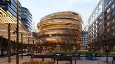 Ribbons of wood wrap around The Exchange by Kengo Kuma, which has been photographed at completion in Darling Square in Sydney, Australia. Kengo Kuma, School Architecture, Architecture Design, Ancient Architecture, Sustainable Architecture, Amazing Architecture, Contemporary Architecture, Landscape Architecture, Landscape Design