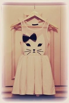 dress dress dress I'm not a cat person, but this is kinda adorable
