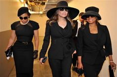 Janet, Latoya and Reebie Jackson at Michael's Funeral (oddly enough.they are flawless under the circumstances) Janet, Latoya and Reebie Jackson at Michael's Funeral (oddly enough.they are flawless under the circumstances) Michael Jackson, Jackson Family, Janet Jackson, Funeral Attire, Funeral Outfits, Funeral Wear, Funeral Party, Church Attire, Versace