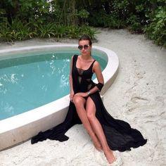 http://palaceofthefashionista.tumblr.com #closet #fashion #fashionblog #fashionblogger #fashionista #brunette #fashiondaily #ootd #stylist #style #glamorous #glam #fancy #rich #vacation #travel #red #luxury