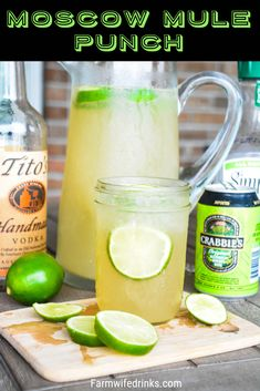 Moscow Mule Punch Moscow Mule Punch is the perfect large batch cocktail recipe combining limeade, ginger beer, and vodka great for tailgates, pool parties and BBQs. Batch Cocktail Recipe, Beer Cocktail Recipes, Vodka Cocktails, Cocktail Drinks, Limeade Drinks, Alcoholic Punch Recipes Vodka, Alcoholic Drinks, Drink Recipes, Cake Recipes