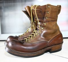 ill just let the pictures do the talkin' here Old Man Fashion, Modern Mens Fashion, Mens Boots Fashion, Red Wing Boots, White Boots, Workwear Boots, Leather Men, Leather Shoes, Italian Shoes