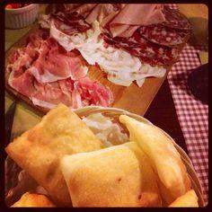 Gnocco fritto e salumi - Instagram by elisaroda