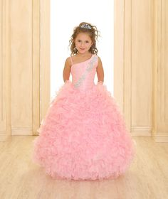 Watch heads turn in amazement when your little diva enters the room in this stunning gown. This organza dress features a one shoulder bodice richly decorated wi. Pretty Pink Princess, Pink Princess Party, Pink Flower Girl Dresses, Pink Dress, Girls Dresses, Organza Dress, Ruffle Dress, Kids Party Wear Dresses, Azul Royal
