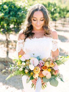 From the gorgeous florals to the beautiful couple this Northern California vineyard wedding with tropical details is the wedding inspiration is perfection! Country Wedding Photos, Country Barn Weddings, Rustic Wedding Guest Book, Cowboy Weddings, Outdoor Weddings, Luxury Wedding, Dream Wedding, Wedding Day, Wedding Dreams