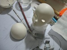 Making a hollow doll head with LA doll clay, great for BJD ideas.
