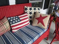 20 Best July Porch decor ideas to spread the Patriotic Splurge in your front porch - Hike n Dip Fourth Of July Decor, 4th Of July Decorations, July 4th, Patriotic Crafts, July Crafts, Americana Crafts, Patriotic Wreath, Summer Porch, Summer Time