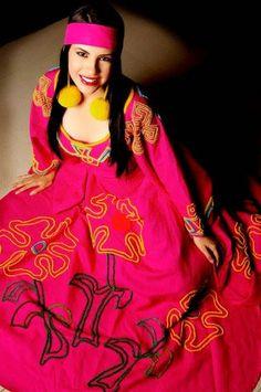 El vestido milenario de las indígenas Wayuu, sencillo y elegante