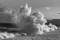 Crashing Waves by Thomas Winzer.