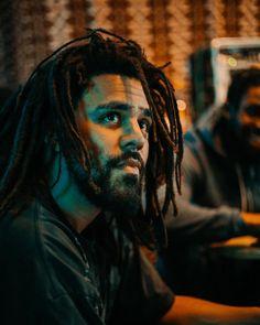Listen to every J Cole track @ Iomoio J Cole Art, J Cole Quotes, Kalash, Trill Art, Photos Hd, Photographie Portrait Inspiration, Rapper Art, King Cole, Black Girl Aesthetic