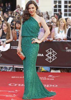 Festival de Málaga 2013. Eva Marciel de Carolina Herrera y sandalias de Jimmy Choo