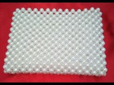 This video is based on making of pearl Purse in three parts. Watch all the three to make a beautiful purse. Trash To Couture, Beaded Purses, Beaded Bags, Jewelry Knots, Diy Jewellery, Work Purse, Tablet Weaving, Purse Tutorial, Beaded Crafts
