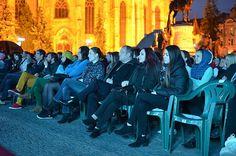 Emil Boc alături de soție și Cezara Boc, la teatru în Piața Unirii – FOTO