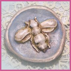Classic Queen Bee Brooch  - Aged Ivory & Gold Leaf  Appearance - Vintage Reproduction