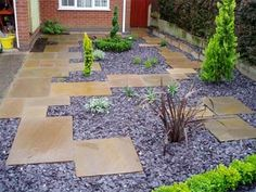 Take your patio layout design to the next level with our list of favorite ideas. Whether it is large patios, or fire pits you will find everything you need Slate Garden, Garden Paving, Garden Stones, Small Front Gardens, Back Gardens, Herb Garden Design, Garden Ideas, Planer Layout, Low Maintenance Garden