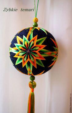 "Купить Темари ""Календула"" - оранжевый, темари, оранжево-зеленый, зелено-оранжевй, шар, подвеска"