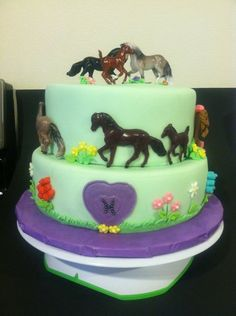Cake decorating with Breyer Stablemates!