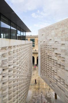 Renzo Piano Building Workshop - Projects - By Type - Valletta City Gate Detail Architecture, Architecture Portfolio, Facade Architecture, Architecture Visualization, Renzo Piano, Build Your House, Famous Architects, Stone Facade, Brutalist