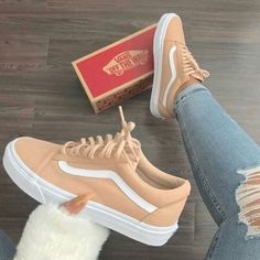 online store 3e10a 4286e Awesome sneakers