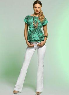 Blusa estampada + calça flare - Quintess