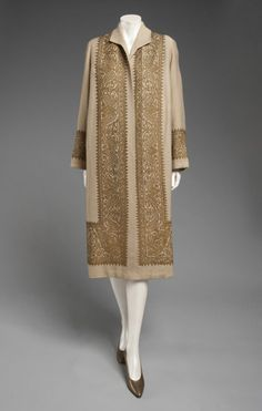 Vintage Coats Philadelphia Museum of Art - Collections Object : Woman's Coat Designed by Jeanne Lanvin, French, 1867 - 1946 Geography: Made in France, Europe Date: 1924 Medium: Tan wool with gold metallic embroidery - 30s Fashion, Art Deco Fashion, Fashion History, Retro Fashion, Vintage Fashion, Fashion Design, Flapper Fashion, Fashion Coat, Fashion 2017
