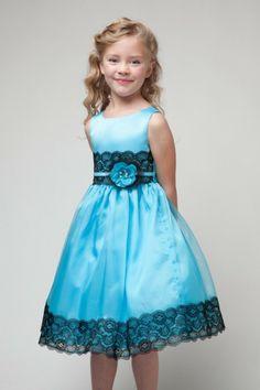 tenue de mariage enfant Beau cortege robe Gerona en turquoise avec dentelle noire sur la taille et sur les ourlets